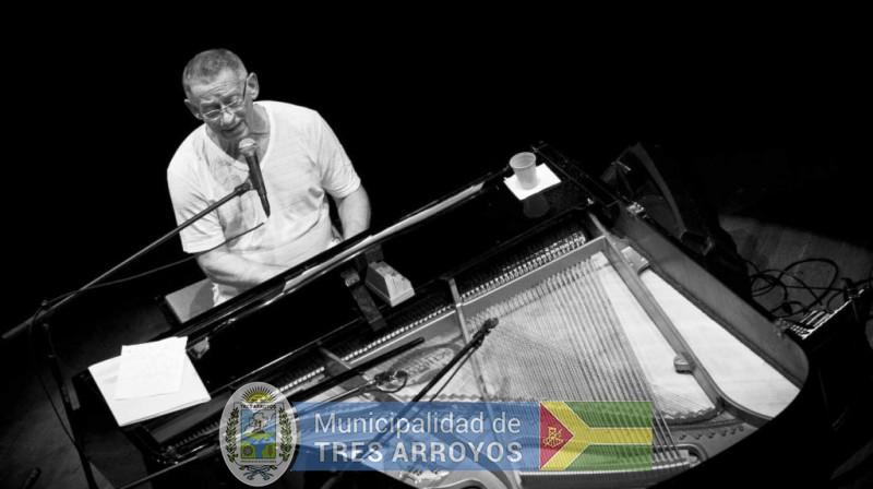 """imagen 1 de la noticia HUGO FATTORUSO presenta """"Candombe Blues"""" en el CCEpublicada el 2017-07-25"""