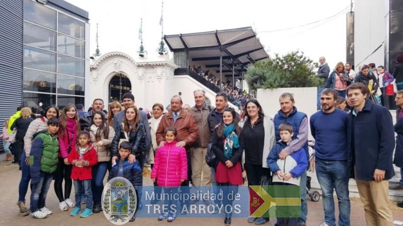 imagen 1 de la noticia SANCHEZ Y ETCHETO ACOMPAÑARON A LOS GANADORES AGROEMPRENDE BUENOS AIRES EN LA RURAL DE PALERMOpublicada el 2017-07-25