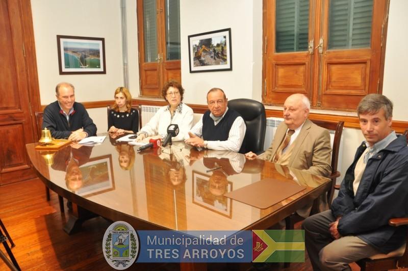 imagen 1 de la noticia Municipio, ENET Nº 1 y el INTI firmaron convenio para la fabricación de tecnologías para personas con discapacidadpublicada el 2017-08-11