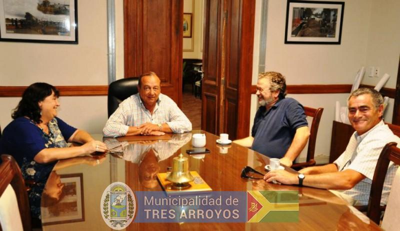 imagen 1 de la noticia SANCHEZ RECIBIÓ AL SUB DIRECTOR DE OBRAS Y PROYECTOS DE INFRAESTRUCTURA DE LA PCIApublicada el 2017-12-28