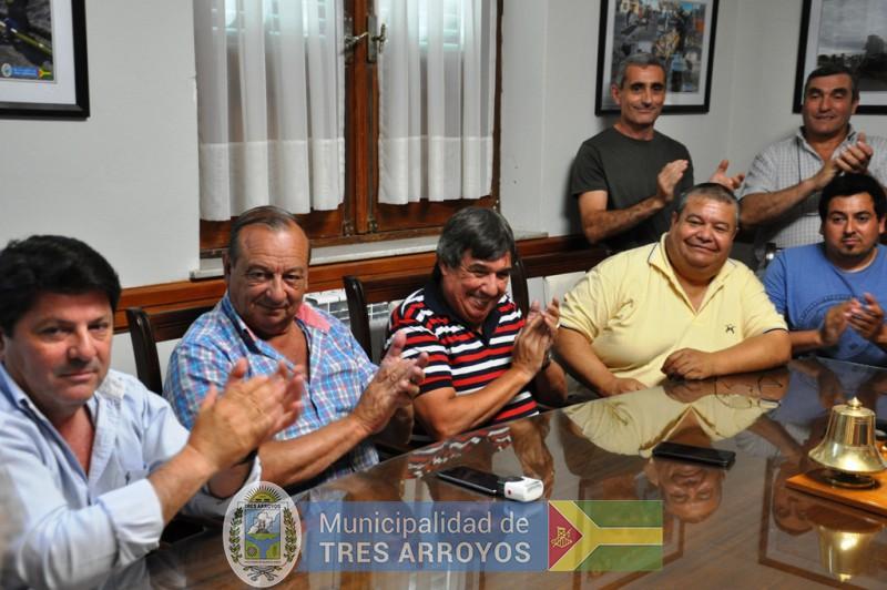 imagen 4 de la noticia EJECUTIVO Y SINDICATO DE TRABAJADORES MUNICIPALES FIRMARON CONVENIO COLECTIVO DE TRABAJOpublicada el 2017-12-28