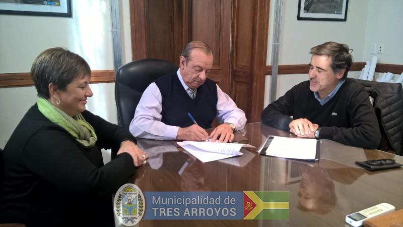 imagen 1 de la noticia El Intendente Carlos Sánchez firmó convenio con la Corte Suprema de Justicia para resguardar archivo histórico en nuestra ciudadpublicada el 2018-05-24