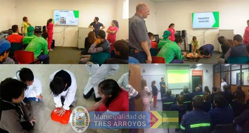 imagen 1 de la noticia Alumnos y Graduados de Enfermería capacitan ad honorem a instituciones publicada el 2018-06-12