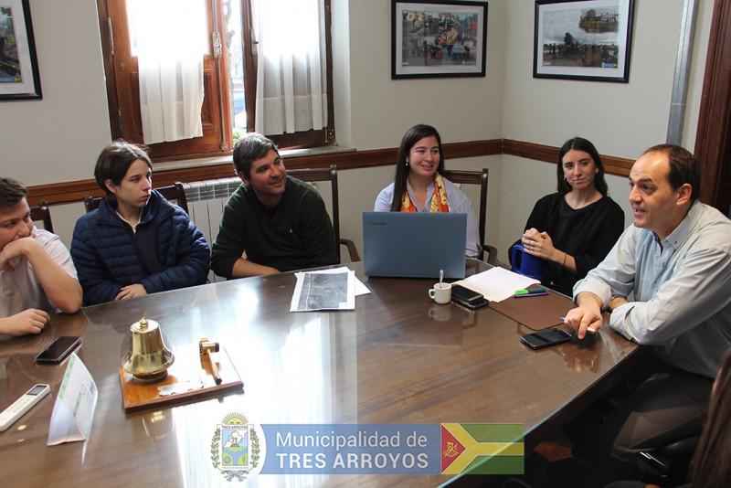 imagen 2 de la noticia Salim se reunió para intercambiar ideas con jóvenes del Concejo Estudiantilpublicada el 2018-09-13