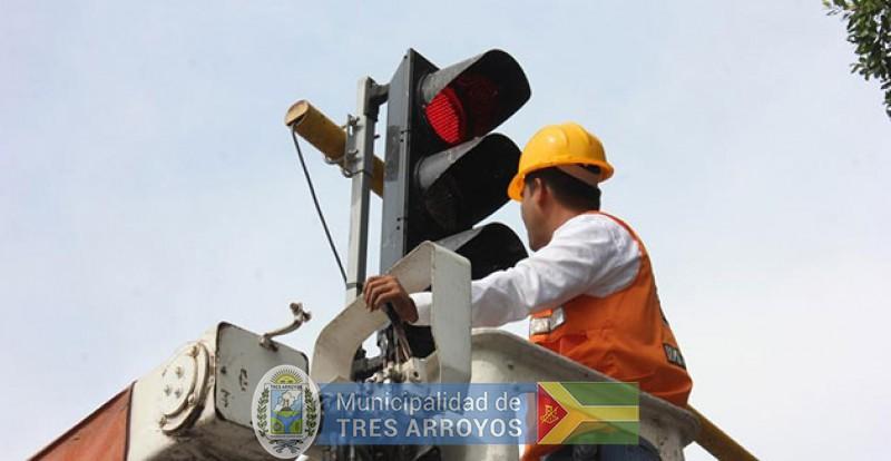 imagen 1 de la noticia Mañana: por reparaciones, quedará apagado por tres horas el semáforo de Colón e Hipólito Yrigoyenpublicada el 2018-09-19