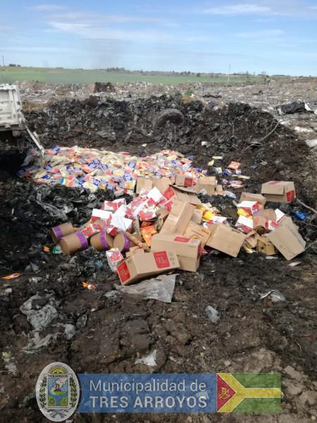 imagen 2 de la noticia Bromatología y la Policía realizaron secuestros de mercadería no apta para el consumopublicada el 2018-09-20