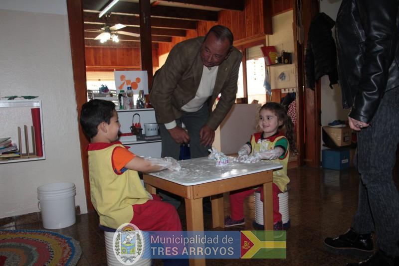 imagen 3 de la noticia Sánchez visitó el Jardín Montessoripublicada el 2018-10-09