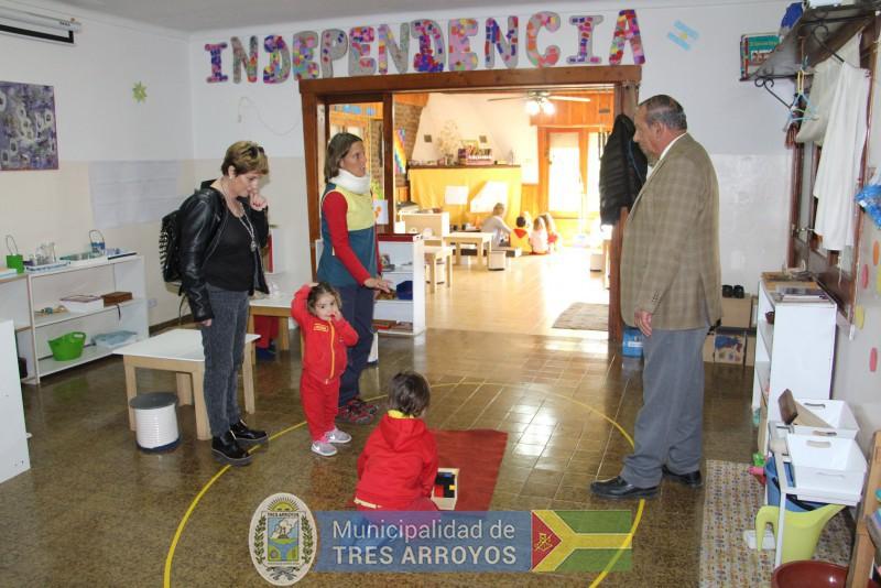 imagen 4 de la noticia Sánchez visitó el Jardín Montessoripublicada el 2018-10-09