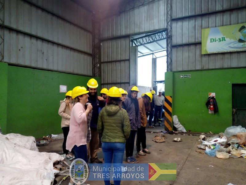 imagen 1 de la noticia UNICEN en la Planta Recicladorapublicada el 2018-10-10