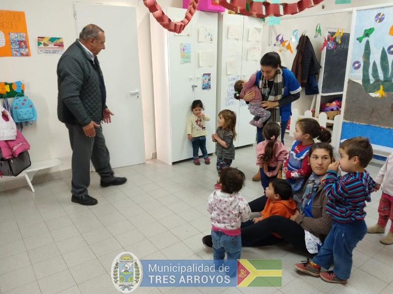 imagen 2 de la noticia El Intendente estuvo en el Centro de Primera Infancia del barrio Santa Teresitapublicada el 2018-10-11