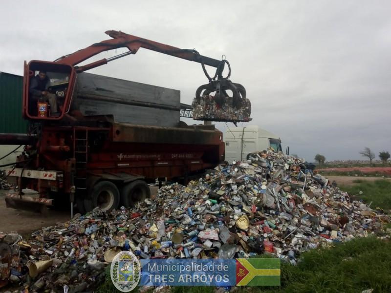 imagen 1 de la noticia Desde Tandil a la Planta Recicladora de Tres Arroyospublicada el 2018-10-12