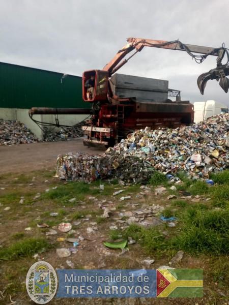 imagen 2 de la noticia Desde Tandil a la Planta Recicladora de Tres Arroyospublicada el 2018-10-12