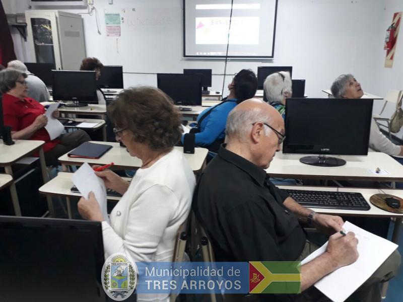 """imagen 2 de la noticia """"Abriendo Caminos, de la mano de CRESTA y su Programa de Educación de Adultos Mayores - PEMTA""""publicada el 2018-12-05"""