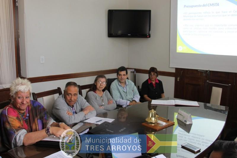 imagen 1 de la noticia Productiva reunión del consejo de administración del Hospital Pirovano, con autoridades de la salud y el intendentepublicada el 2018-12-09