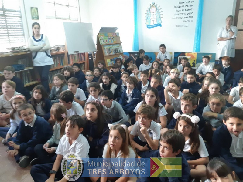 imagen 2 de la noticia El Mulazzi va a la Escuela. Historia de la bandera de Tres Arroyos en el Colegio Ntra. Sra. De Lujanpublicada el 2019-04-12