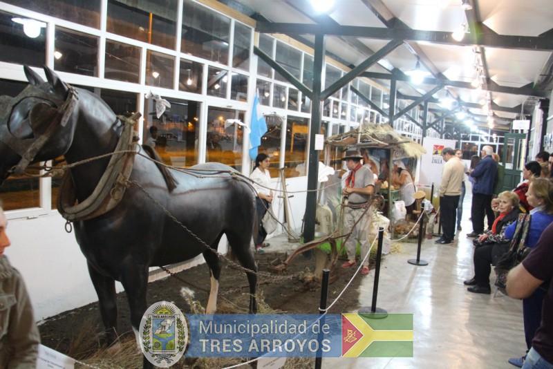 imagen 2 de la noticia 135 º Aniversario de Tres Arroyos: Importante concurrencia en el Centro cultural la estaciónpublicada el 2019-04-13