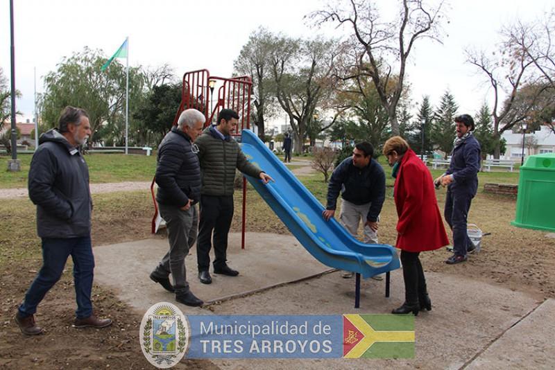 imagen 1 de la noticia Plan de Mantenimiento y Limpieza de Espacios Verdes: Plaza del Árbol publicada el 2019-05-21