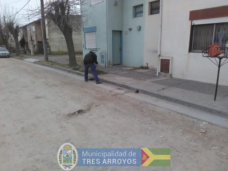 imagen 3 de la noticia Personal del programa Barrios Limpios, se encuentra trabajando en el barrio Fonavi Nortepublicada el 2019-08-22