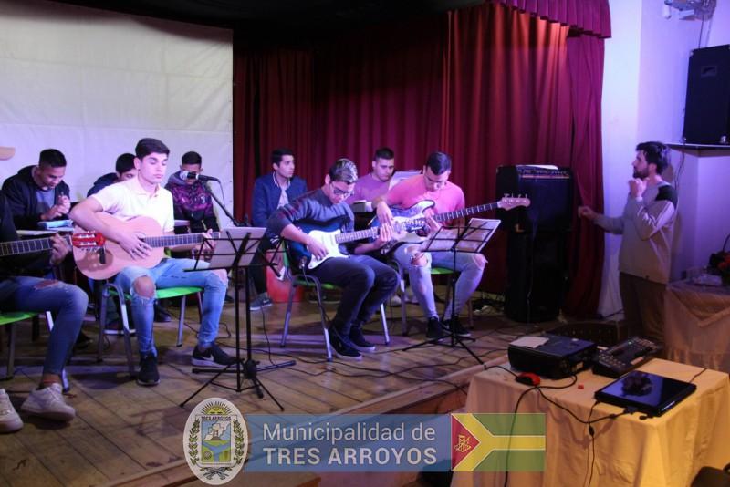 imagen 3 de la noticia Funcionarios Municipales participaron de los Premios Sarmientopublicada el 2019-09-12