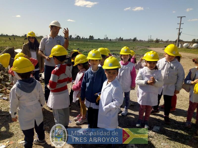 imagen 2 de la noticia Alumnos de la EP Nº 15 visitaron la planta de separación de residuospublicada el 2019-10-09