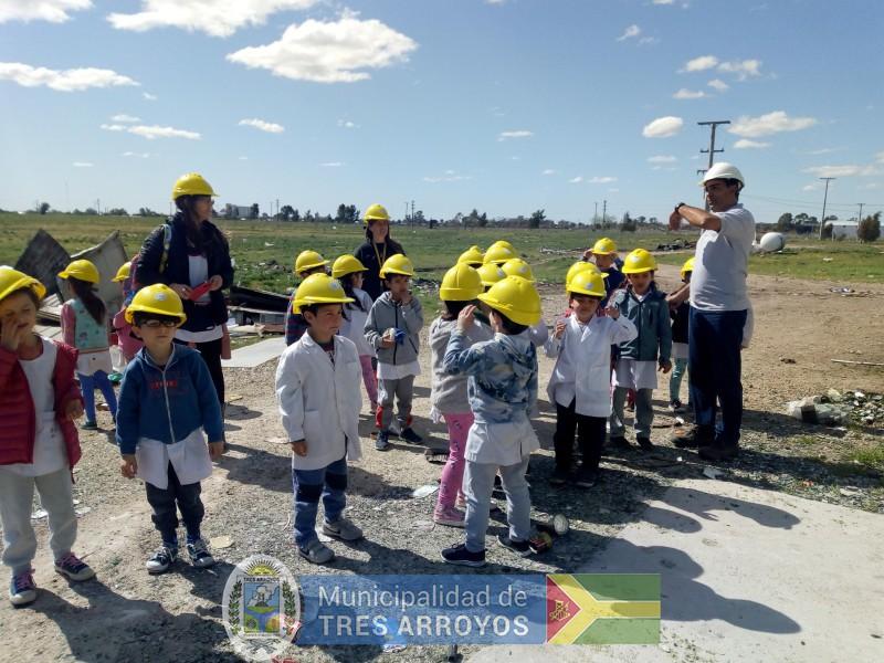 imagen 3 de la noticia Alumnos de la EP Nº 15 visitaron la planta de separación de residuospublicada el 2019-10-09