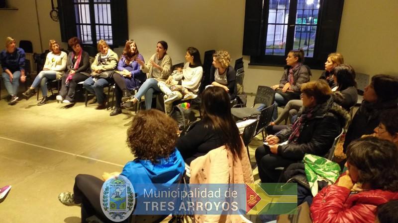 imagen 1 de la noticia La directora de Cultura y Educación, Noemi Rivas, se reunió con los asistentes técnicospublicada el 2019-10-09