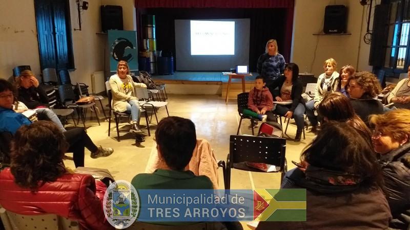 imagen 5 de la noticia La directora de Cultura y Educación, Noemi Rivas, se reunió con los asistentes técnicospublicada el 2019-10-09
