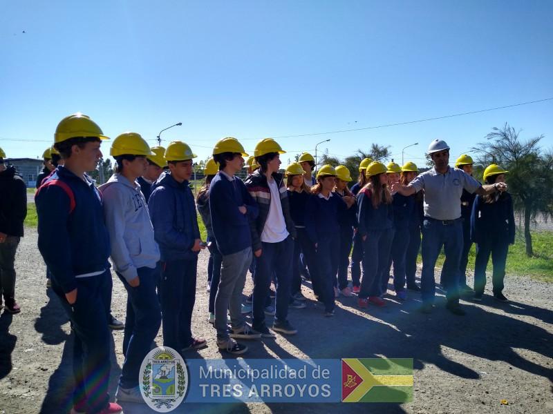 imagen 5 de la noticia Alumnos del Colegio Holandes visitaron la Planta de Separación de Residuospublicada el 2019-11-06