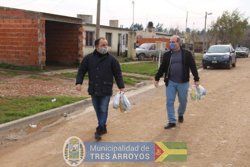 imagen 4 de la noticia ENTREGA DE KITS SANITARIOS - RUTA 3 SURpublicada el 2020-07-30