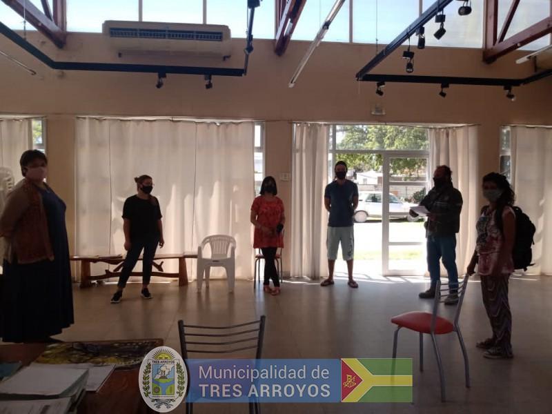 imagen 1 de la noticia REUNION DIRECTORA DE CULTURA CON ARTESANOS DE CLAROMECO Y DELEGADO JULIAN LAMBERTI publicada el 2020-11-20