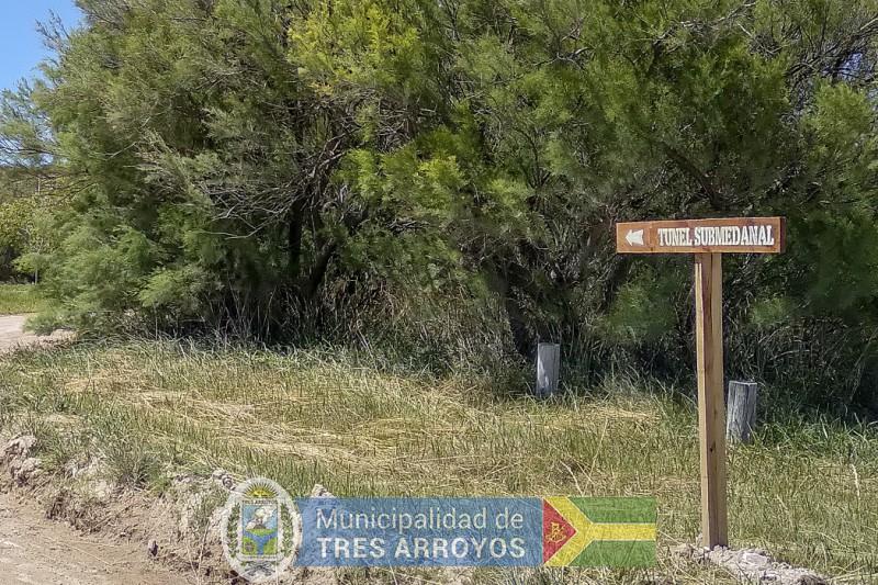 imagen 2 de la noticia LA DIRECCION DE TURISMO INSTALA CARTELERIA EN LOS BALNEARIOSpublicada el 2021-01-13