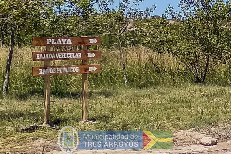imagen 3 de la noticia LA DIRECCION DE TURISMO INSTALA CARTELERIA EN LOS BALNEARIOSpublicada el 2021-01-13