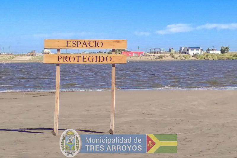 imagen 4 de la noticia LA DIRECCION DE TURISMO INSTALA CARTELERIA EN LOS BALNEARIOSpublicada el 2021-01-13