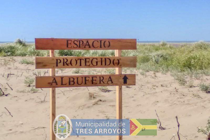 imagen 5 de la noticia LA DIRECCION DE TURISMO INSTALA CARTELERIA EN LOS BALNEARIOSpublicada el 2021-01-13