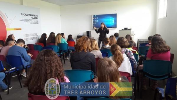 imagen 1 de la noticia Continúan las visitas de instituciones educativas a la planta de recicladopublicada el 2018-11-16