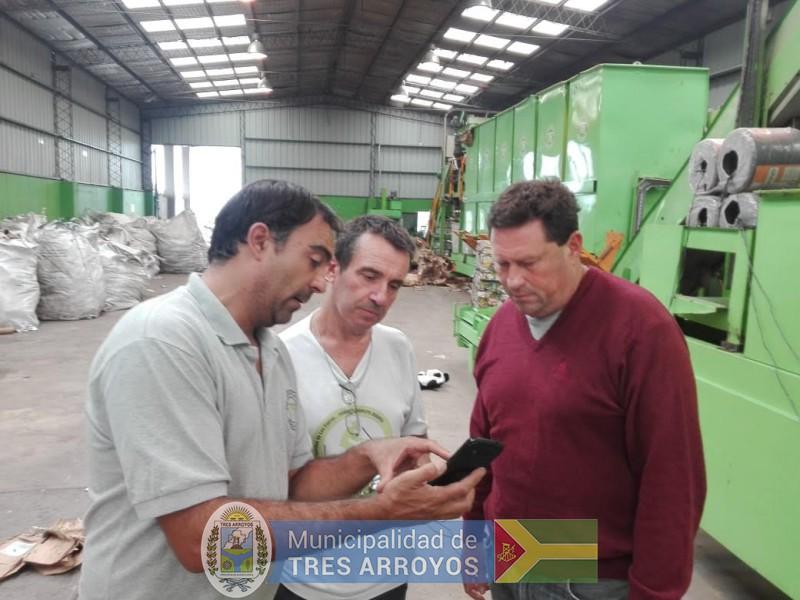 imagen 1 de la noticia El secretario de Obras Publicas de Las Flores visito la Planta de Recicladopublicada el 2020-02-10