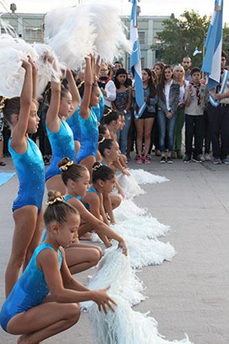 Acto Inaugural: Himno interpretado por alumnas del Círculo de Gimnasia de Tres Arroyos.