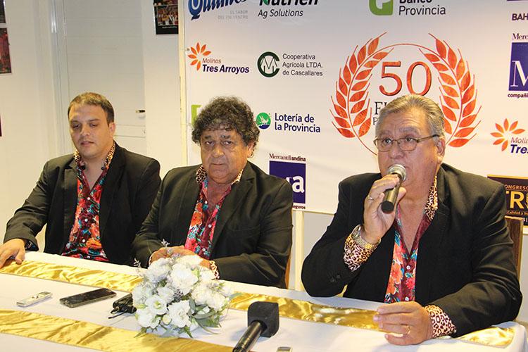 Viernes: Los Palmeras en Conferencia de Prensa la noche del viernes.